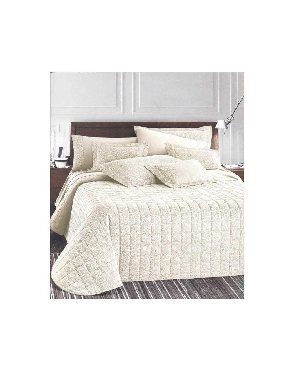 couvre lit in jacquard dalila. Black Bedroom Furniture Sets. Home Design Ideas